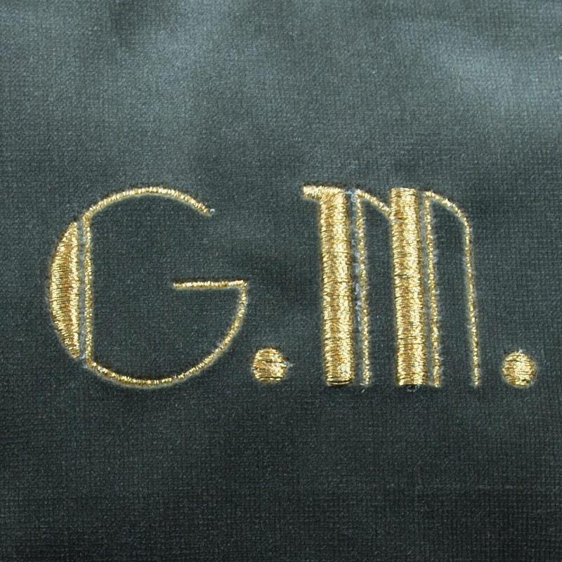 Borsetta in velluto grigio lettere ricamate oro