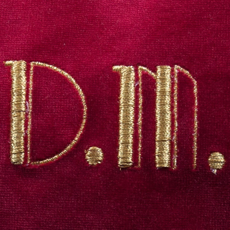 Borsetta in velluto bordeaux lettere ricamate oro