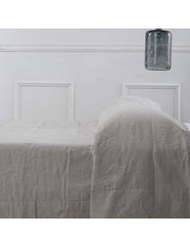 Quilt in pure beige linen