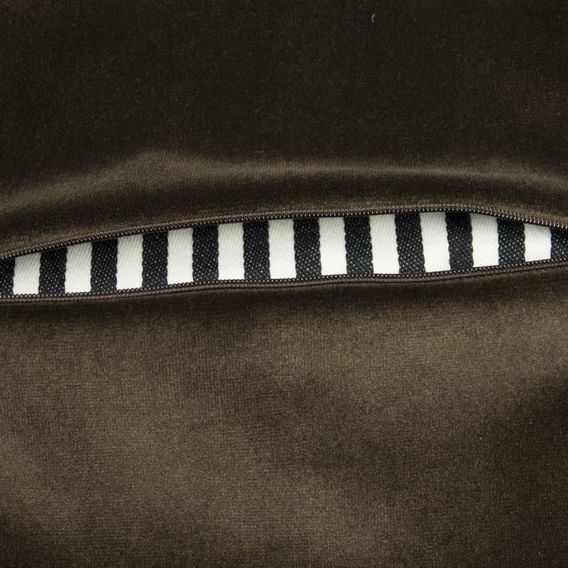 Pochette in velluto marrone interno millerighe bianco e nero