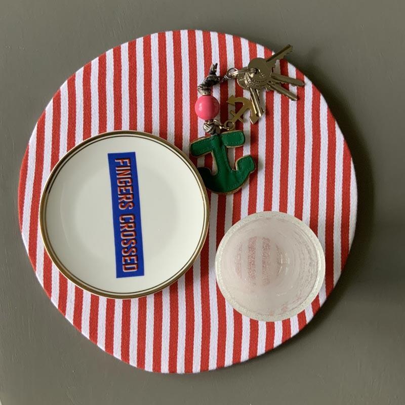 Set 2 sottopiatti tondi a righe di cotone bianco/rosso
