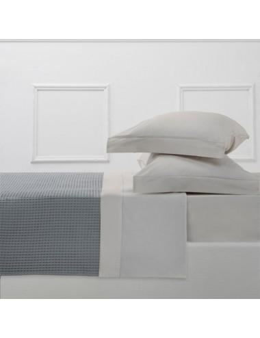 Completo letto in percalle bianco con cordonetto grigio